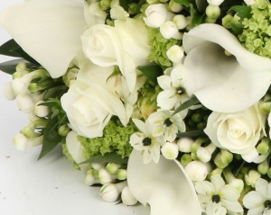 textured-brides-handtied-bouquet-wedding-flowers-sheffield