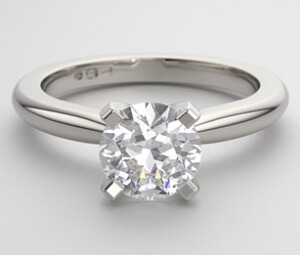 classic-solitaire-round-brilliant-diamond-engagement-ring